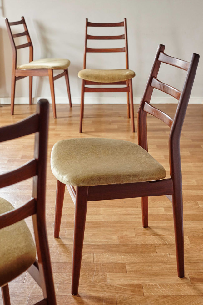 4 Casala dining chairs with velvet upholstery at angle