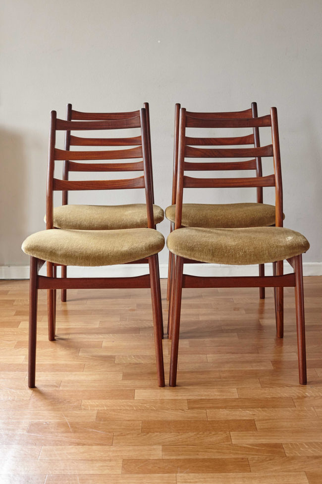 4 Casala dining chairs with velvet upholstery front view