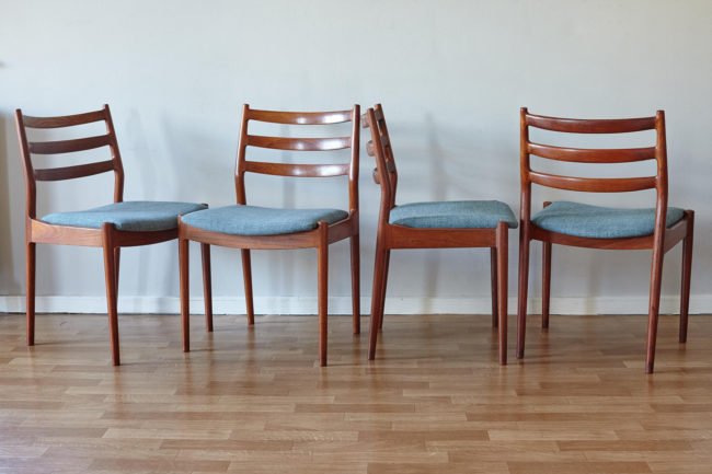 4 Arne Vodder Cado dining chairs 191 in a line at different angles