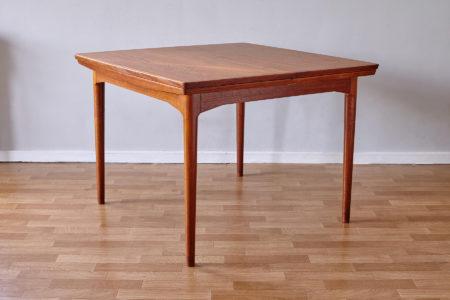 Arne Vodder Cado dining table 592