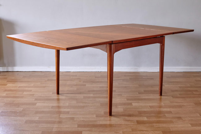 Arne Vodder Cado dining table 592 with extensions opened