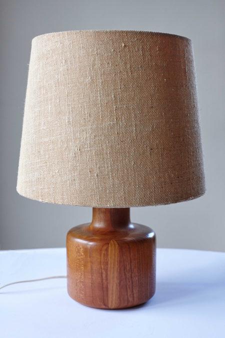 Bestform Freudenberg solid teak table lamp