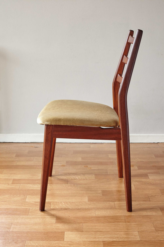 Profile of Casala dining chair with velvet upholstery