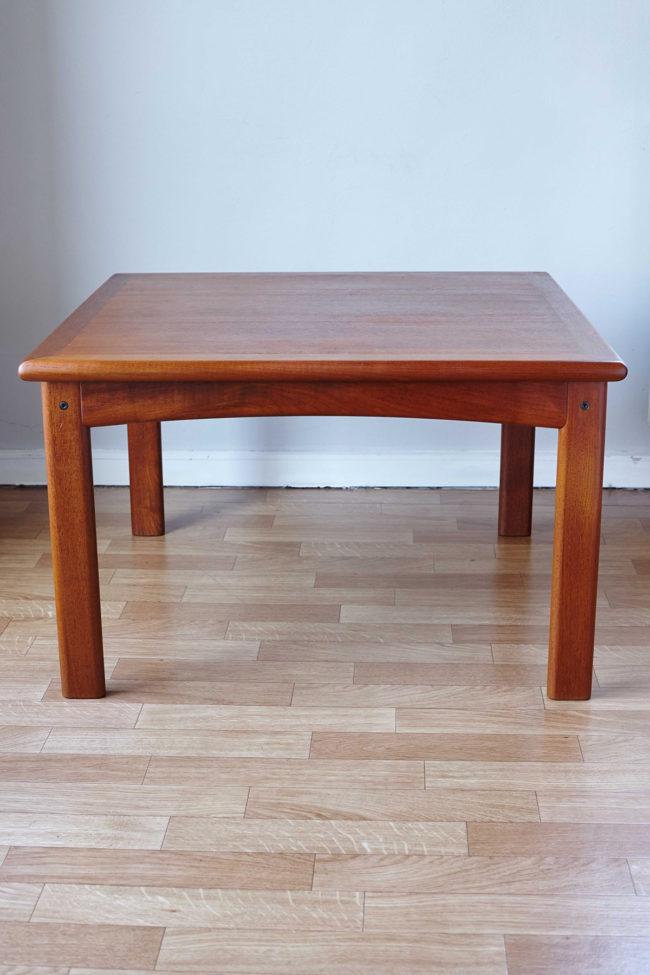 Back of Dyrlund teak coffee table
