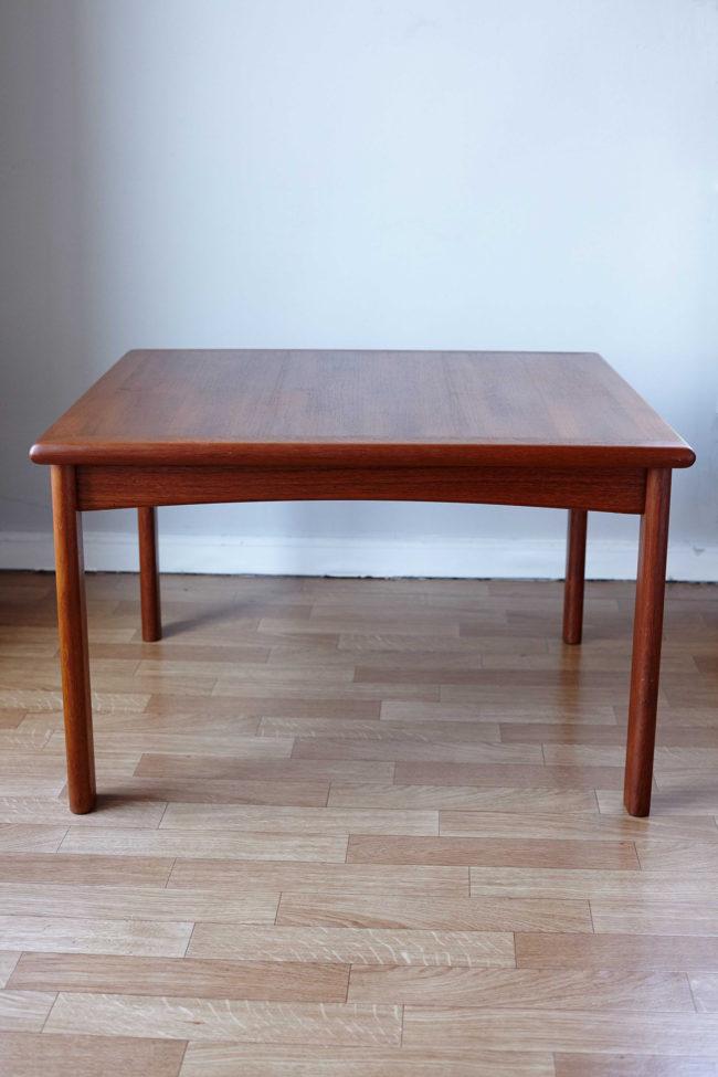 Front of Dyrlund teak coffee table