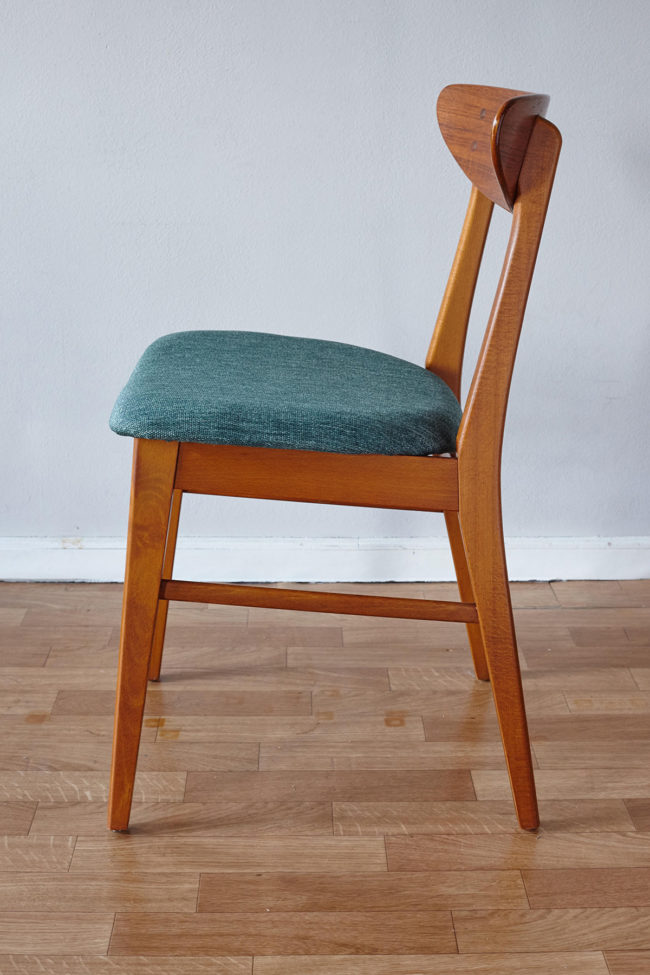 Side view of Farstrup dining chair